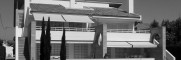 <p>El proyecto plantea una nave almacén rectangular, con pendiente a dos aguas. En su diseño se han seguido condicionantes puramente económicos, buscando la racionalidad constructiva y la máxima funcionalidad: la imagen resultante responde a estos condicionantes y se inscribe coherentemente en el entorno.</p>